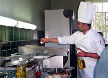 Reconstruyen populosas unidades gastronómicas de Santa Clara