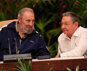 El VI Congreso del Partido: Cuba mueve el dominó